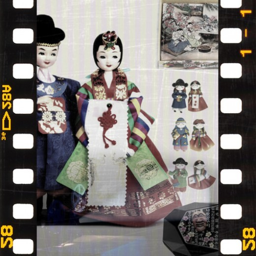 Korean Souvenirs, Korean traditional gifts, Korean handicrafts, Korean wedding doll, Korean mother-of-pearl jewelry box, Korean fridge couple magnets, Korean fan shape bookmark
